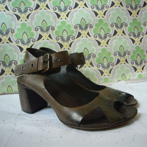 Marsey Italian Taupe Distressed Sandal - Size 39